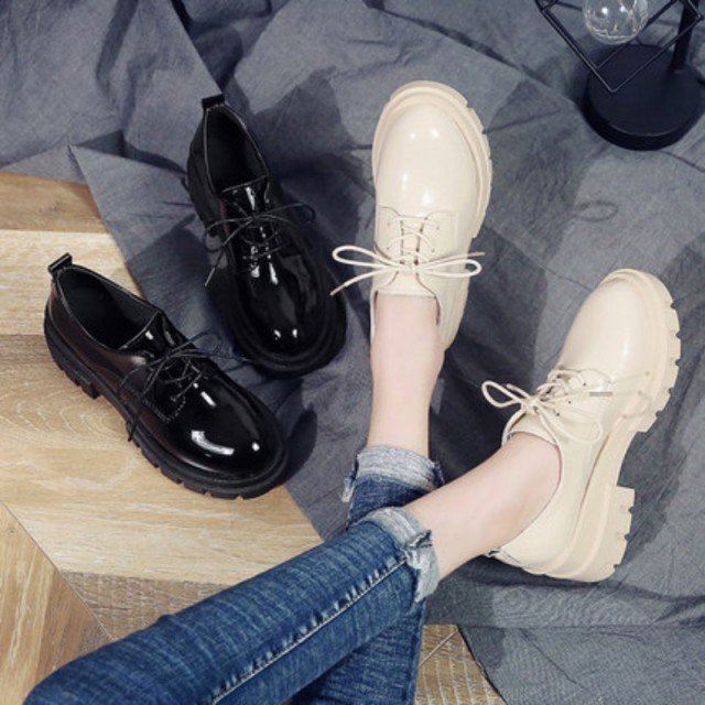 靴 ウィメンズとは