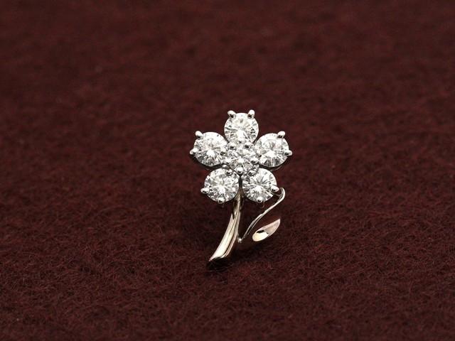 ロイヤルアッシャーダイヤモンド 小花のワンポイ...
