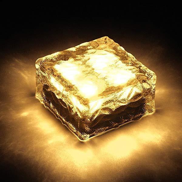 LEDソーラーライト 太陽光パネル 感光式 ガーデン...