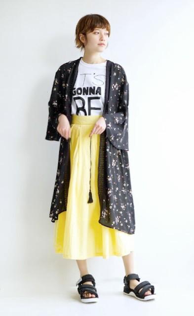 e-zakkamania stores2017SSコーデ★強めなブラックは、お花柄と透け感で女性らしく♪