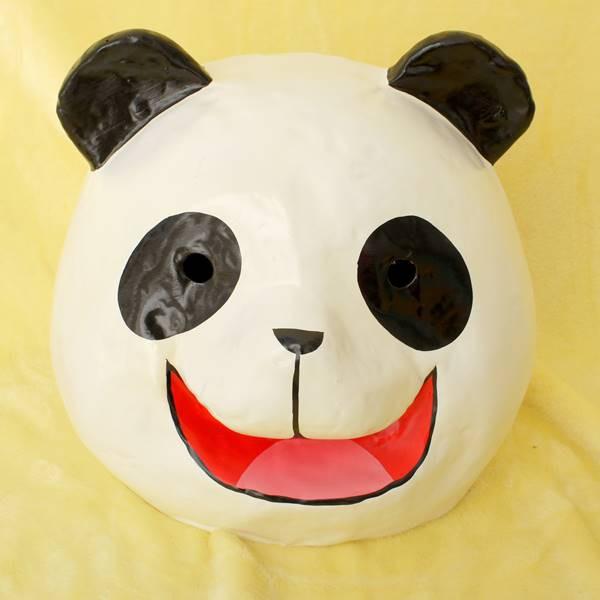 横浜中華街名物・パンダ(大熊猫)かぶり面