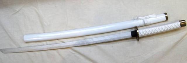 木製鞘付き日本刀・白