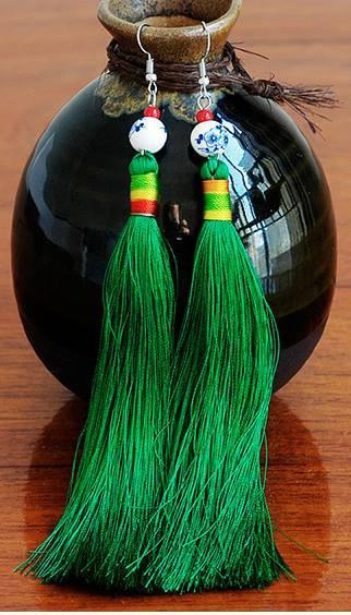 吉祥 房飾りピアス 緑色(全9色)