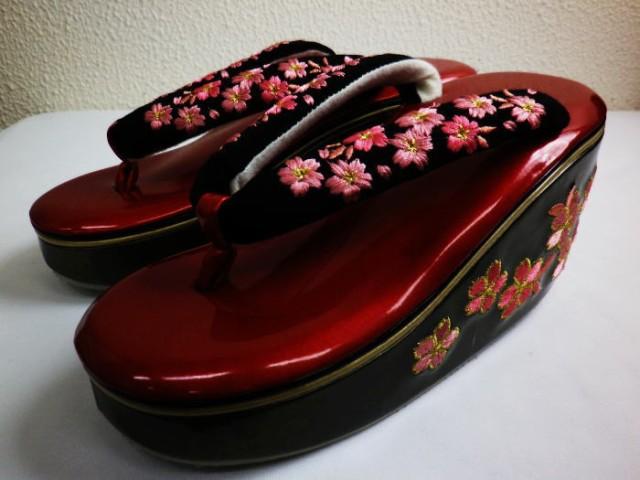 舞妓さんこっぽり風厚底草履ぞうり赤色台小桜刺繍...