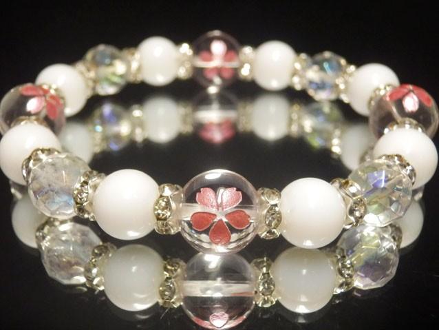 ピンク彫サクラ水晶10ミリ×ホワイトオニキス8ミ...