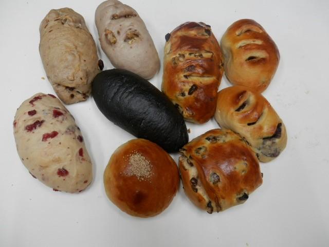 奇跡の30年自家製天然酵母パン  セットZ。食...