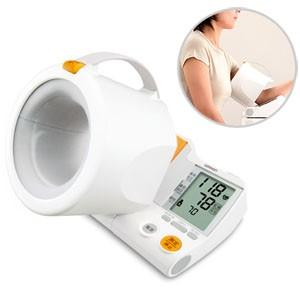 ★送料無料★デジタル自動血圧計 HEM-1000 腕を通...
