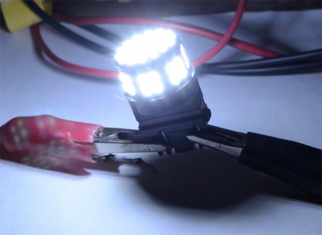 【送料無料】高輝度LED!T20小型 SMD50連 ダブル...