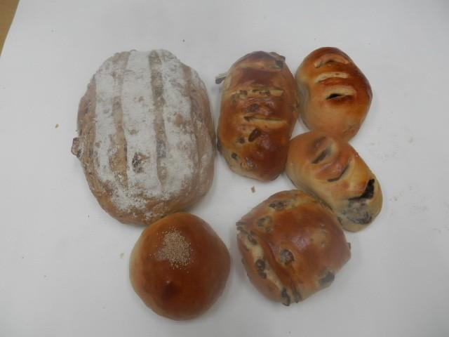 奇跡の30年自家製天然酵母パン  セットAA1。...