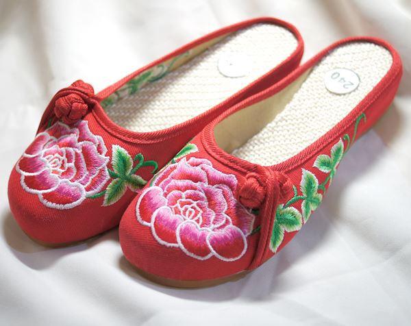 刺繍サンダル(薔薇) 赤