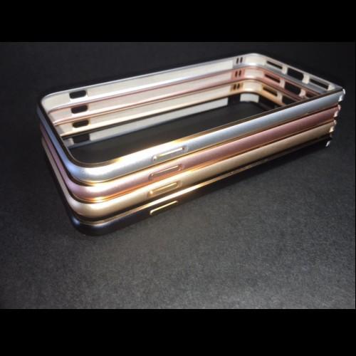 iPhone7 アルミバンパー 全4色 ゴールドライン入...