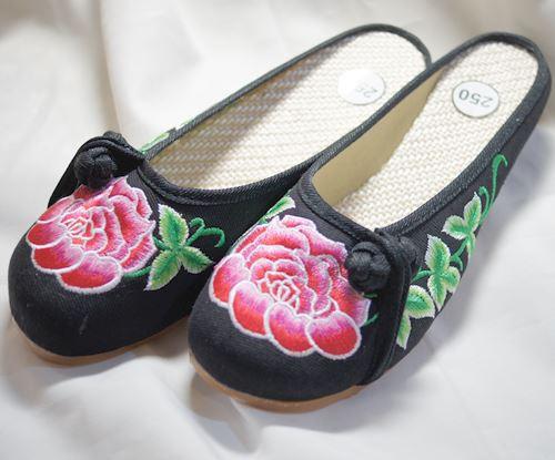 刺繍サンダル(薔薇) 黒