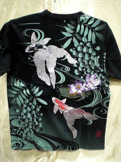 カラクリ魂  和柄 半袖Tシャツ 琉金に蓮刺繍 KAR...