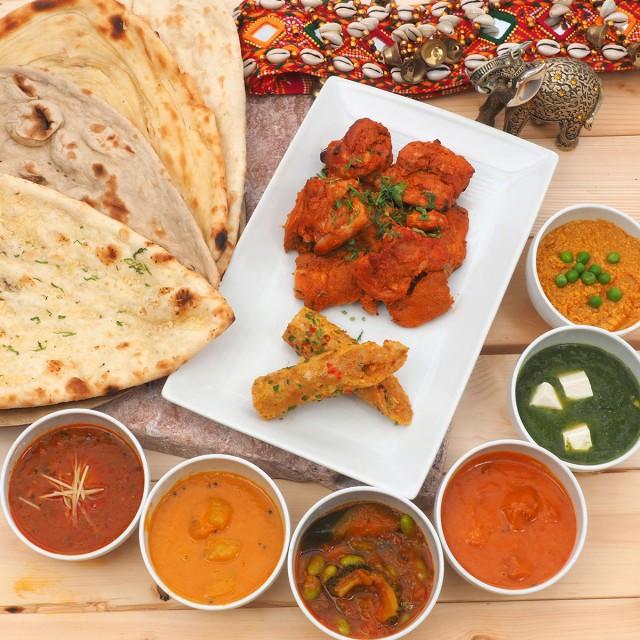 カレー、ナーン、カバブの本格インド料理フルコー...