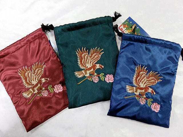 日本製刺繍スカ柄スマホケース 鷹薔薇刺繍 巾着...