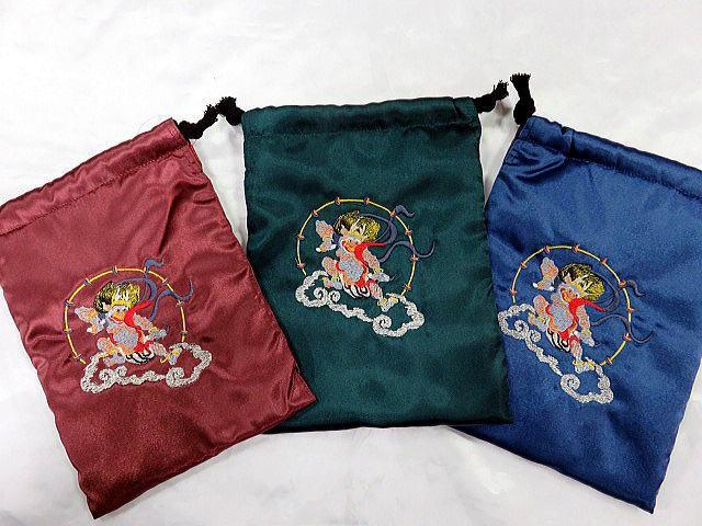 日本製刺繍スカ柄スマホケース 雷神刺繍 巾着 ...