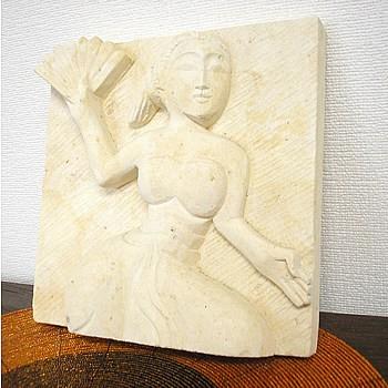 砂岩のレリーフ『踊る女』 [20x20cm] アジアン雑...