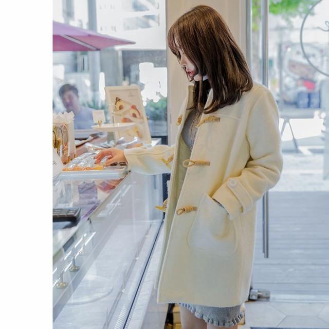 オフホワイトがキュート☆女性らしさを追求 ショ...