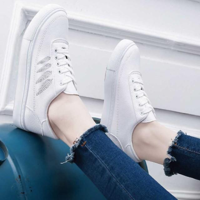 スニーカー 靴 ホワイトスニーカー ホワイト レデ...