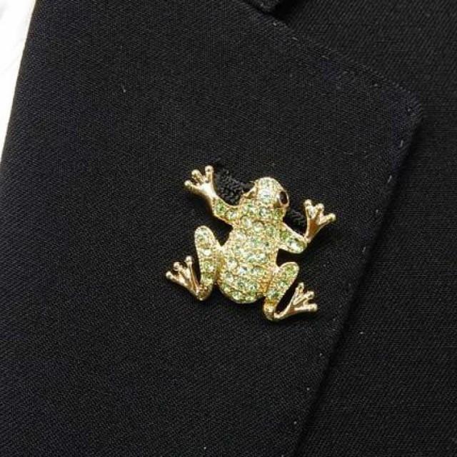 ラペルピン スワロフスキー カエル 蛙 ゴール...
