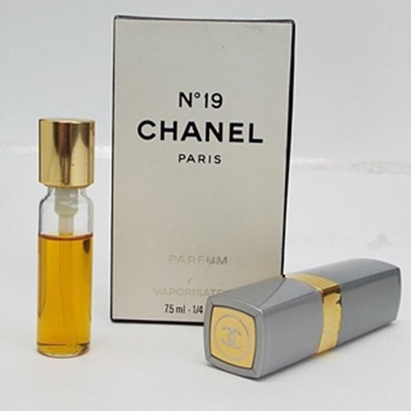 190edc71b373 シャネル 香水 NO.19 パルファム スプレータイプ 7.5ml 中古 CHANEL ナンバー19  女性