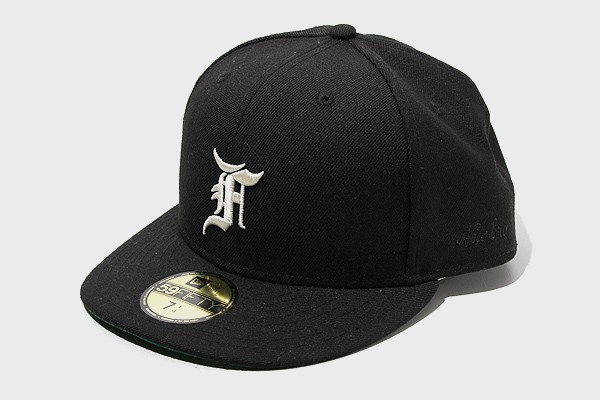 【中古】未使用品 FOG ESSENTIALS × New Era ニ...
