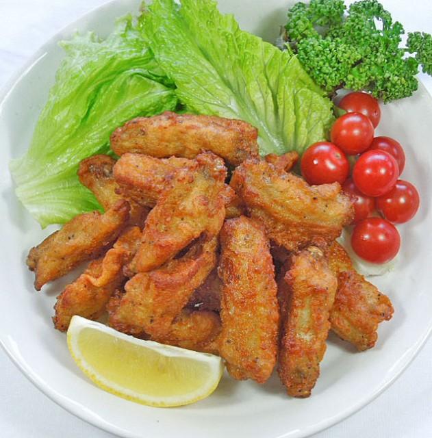 【送料無料】手羽中 スパイシー チキン 1kg クセになる辛さ【鳥肉】【冷凍】(fn70800)