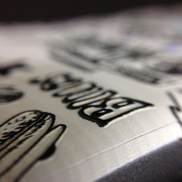 iPhone7 iPhone8 立体ケース 大人の 落ち着いた 凸凹 ケース おしゃれ カバー 3D タイプ (music ホワイト)