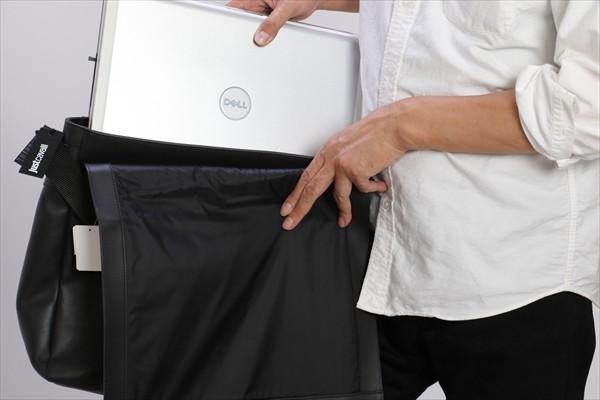 値下げ! メンズ Just Cavalli(ジャスト カヴァリ/ジャスト カバリ) ショルダーバッグ レザー size:UNI