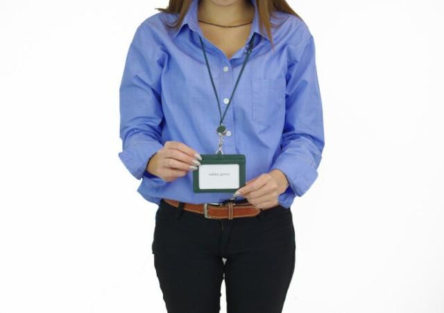 郵 メール便 送料無料 idカードホルダー 革 リール付 ネックストラップ IDカードケース 本革 1604 ID カードケース メンズ レディース