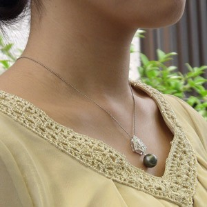 真珠パール 6月誕生石  ペンダントトップ タヒチ黒蝶真珠 直径12mm グリーン系 ダイヤモンド PT900 プラチナ