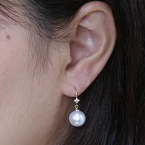 南洋白蝶真珠:10mm:パール:ピアス:K18:18金:ゴールド:ホワイト色真珠:セミラウンド形:アメリカンフック式:揺れるブラタイプ