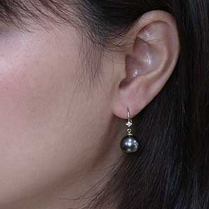 真珠:パール:ピアス:タヒチ黒蝶真珠:ブラックパール:直径10mm:ダイヤモンド:8石:合計0.06ct:K18:ゴールド:フックピアス
