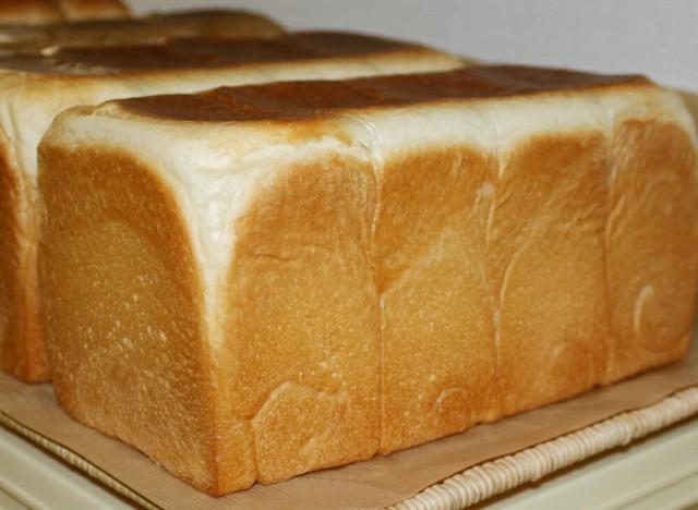 【角型食パン(1斤)】食パンは、なんといっても生地が命!トランス脂肪酸フリー 厳選素材の正統派王道食パン(1個約400g)