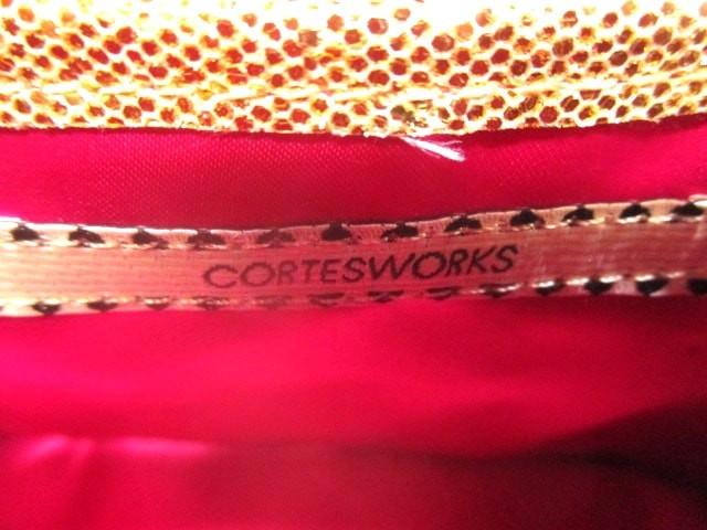 コルテスワークス CORTESWORKS ショルダーバッグ ゴールド ラメ/チェーンショルダー 化学繊維【中古】
