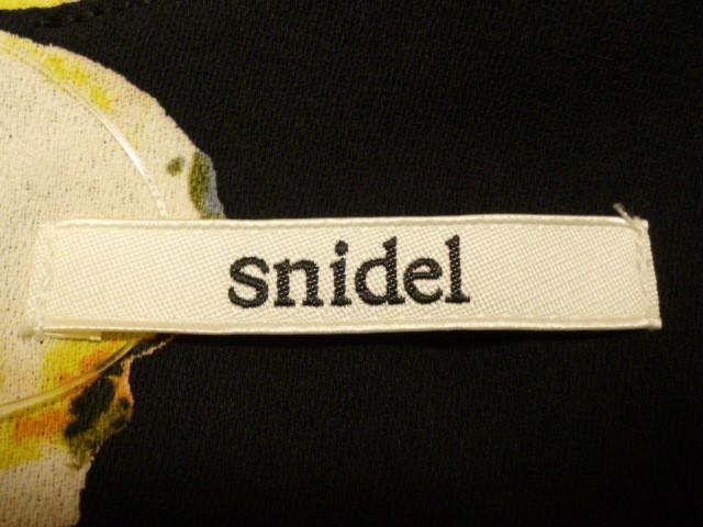スナイデル snidel ワンピース サイズ0 XS レディース 黒×マルチ 花柄【中古】