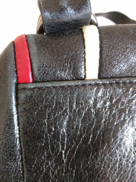 フランチェスコ・ビアジア FRANCESCO BIASIA ショルダーバッグ レディース 黒×白×レッド レザー【中古】