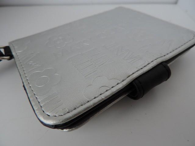 マリークワント MARY QUANT カードケース レディース シルバー×黒 型押し加工/ミラー付き 合皮【中古】