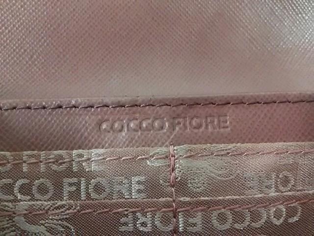コッコフィオーレ COCCO FIORE 長財布 レディース ベージュ×マルチ 型押し加工 エナメル(レザー)【中古】