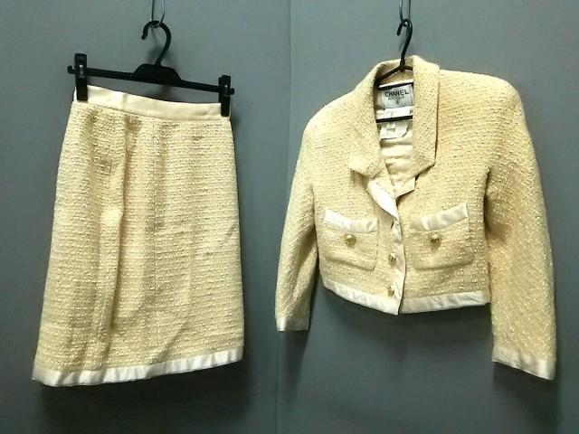 高い素材 シャネル CHANEL スカートスーツ サイズ38 M レディース ベージュ×アイボリー ツイード/肩パッド【】, ラクスフォート fe70e93d