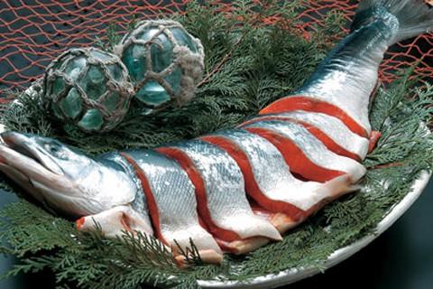 送料無料★北海道名産品 さけ 紅鮭姿切身真空 函館北栄 魚介/贈り物/グルメ 食品 ギフト