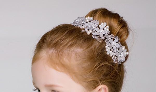 子供ヘッドドレス ウェディング 子供用 髪飾り 花 フラワー 花びら パール カチューシャ 花かんむり 子供用 アクセサリー女の子