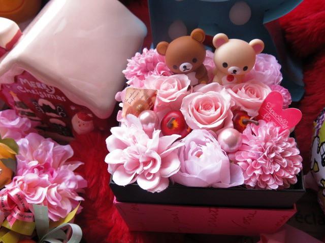 リラックマ入り 花 誕生日プレゼント 箱を開けてサプライズボックス ピンクバラ プリザーブドフラワー入り