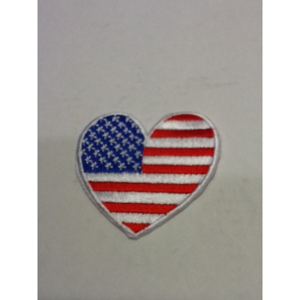 アメリカンな小型刺繍ワッペン(AK)(ハート星条旗)アイロンワッペン 刺繍、エンブレム、大人気、オシャレ