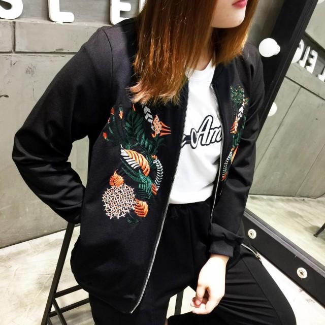 女性服秋コート ブラック スリム ブラウス ファッション刺繍野球ドレス ジャケット