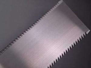 信州銘鋸工業 硬い奴 替刃式両刃鋸 9寸(8寸目) 本体