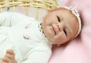 リボーンドール リアル 赤ちゃん人形 トドラードール ベビードール 45cm 高級 かわいい 衣装付き かわいい 笑顔 ba22