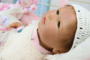 リボーンドール リアル 赤ちゃん人形 トドラードール ベビードール 55cm 高級 かわいい 衣装と哺乳瓶・おしゃぶり付き付 ba56