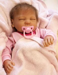 リボーンドール リアル 赤ちゃん人形 トドラードール ベビードール 55cm 高級 かわいい 衣装付 寝顔 クローズアイ ba61