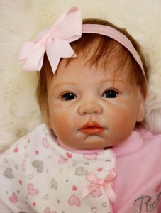 リボーンドール リアル 赤ちゃん人形 トドラードール ベビードール 55cm 高級 かわいい 衣装と哺乳瓶・おしゃぶり付き ba63